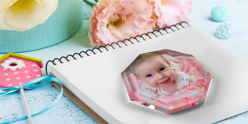 picture printed on a glass paperweight